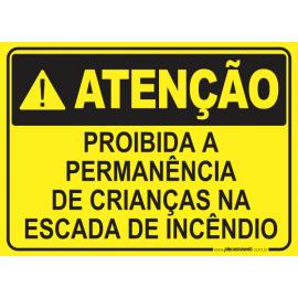 Proibida a Permanência de Crianças na Escada de Incêndio
